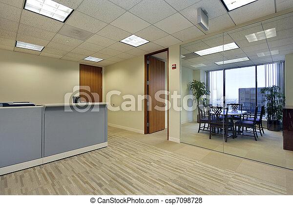 Recepción en la oficina - csp7098728