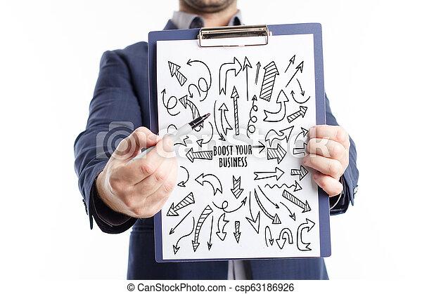 Negocios, tecnología, Internet y el concepto de red. Un joven hombre de negocios muestra la palabra - csp63186926