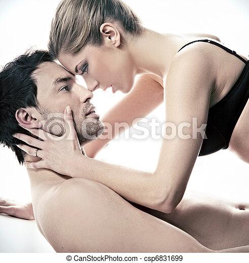 Retrato de un feliz casado en la escena íntima - csp6831699