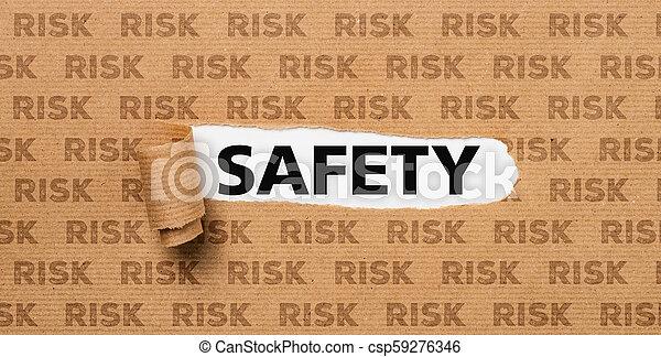 Papel roto, seguridad o riesgo - csp59276346