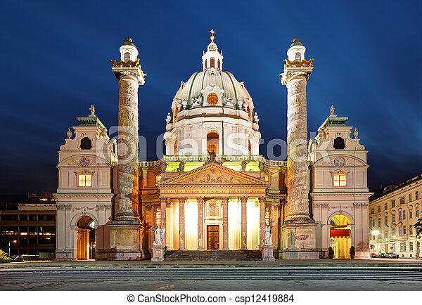 Viena de noche, iglesia de San Carlos, austria - csp12419884