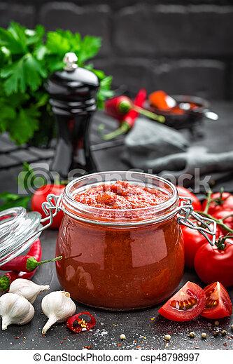 Salsa de tomate - csp48798997