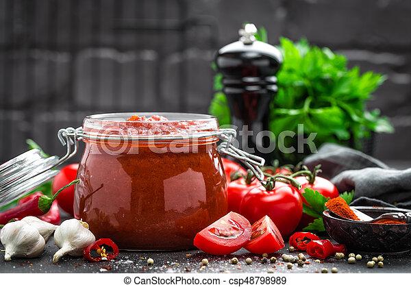 Salsa de tomate - csp48798989
