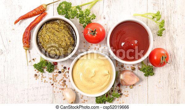 Salsa variada y salsa - csp52019666