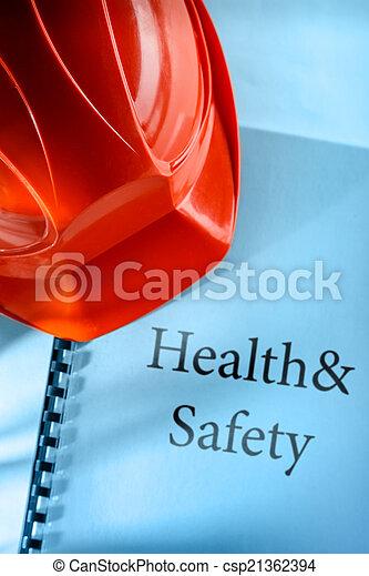 Salud y seguridad con casco - csp21362394
