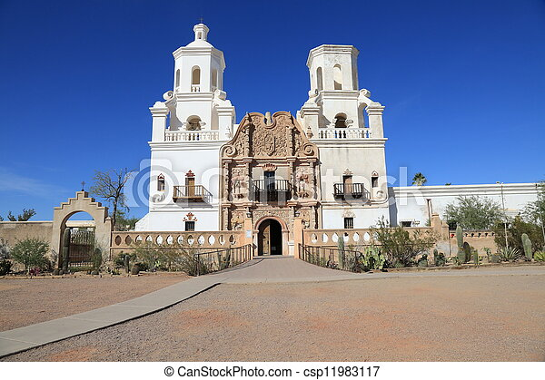 San Xavier del bac iglesia de la misión - csp11983117