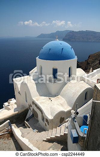 Iglesia en Santorini - csp2244449