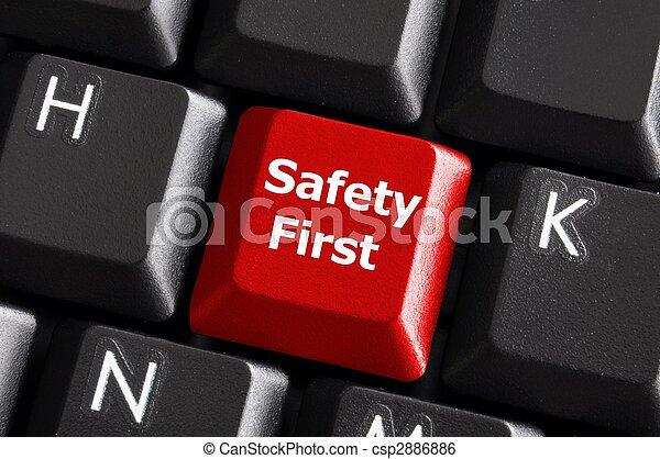 La seguridad primero - csp2886886