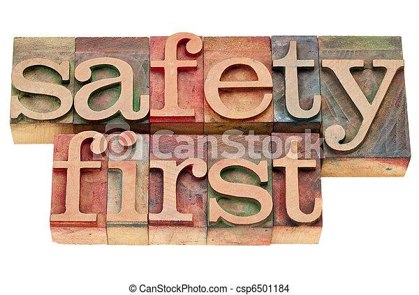 La seguridad primero en el tipo de imprenta - csp6501184