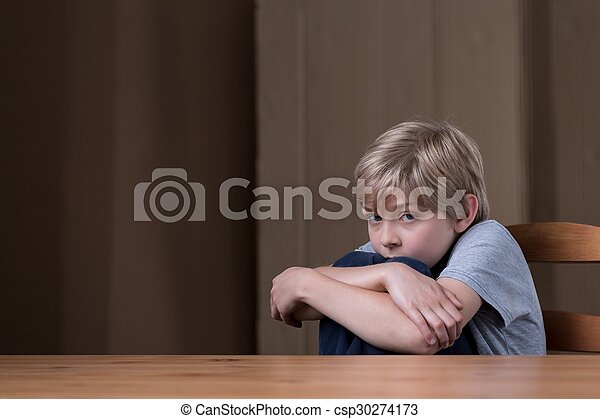 Tener miedo de padre - csp30274173