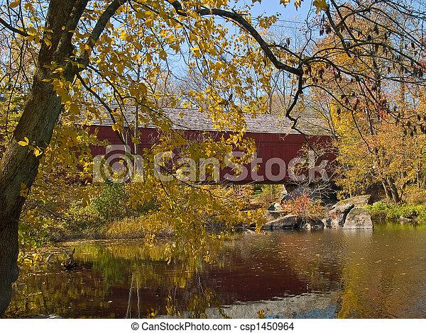 Sheards Mills cubrió el puente 4 - csp1450964