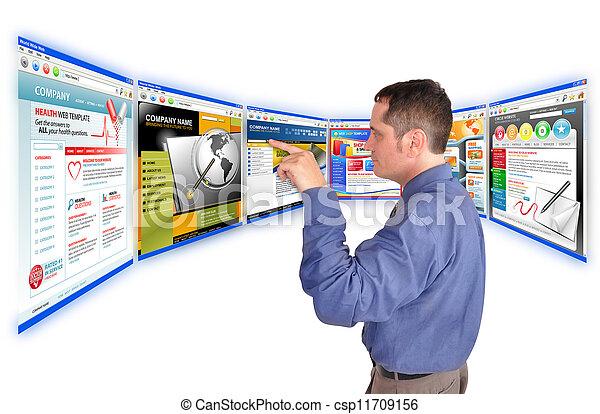 Hombre de negocios en Internet - csp11709156