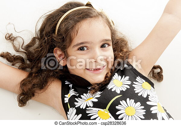 Un niño berreando - csp28328636