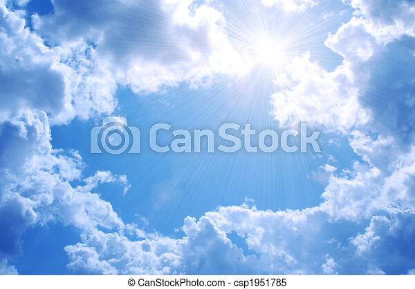Sol brillante en el cielo azul - csp1951785