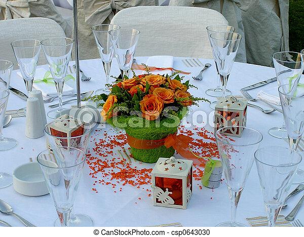 Una mesa de bodas - csp0643030
