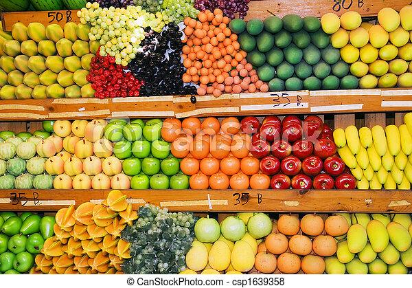 Un puesto de frutas tailandesas - csp1639358