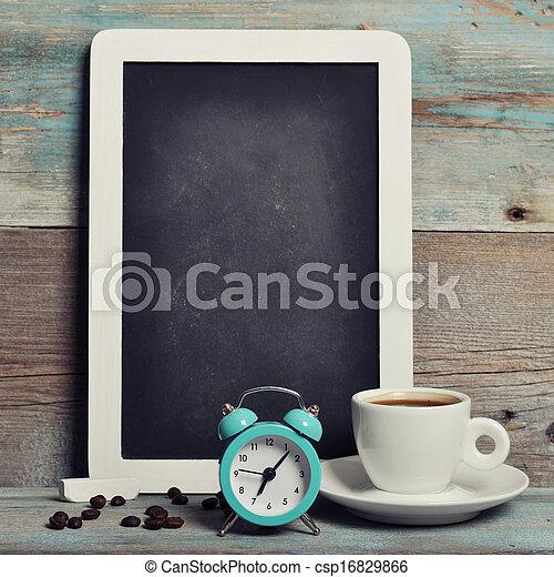 Una taza de café con pizarra - csp16829866