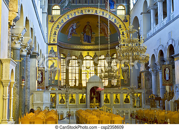 Interiores griegos ortodoxos de la iglesia, santos Dimitrios de Salónica - csp2358609