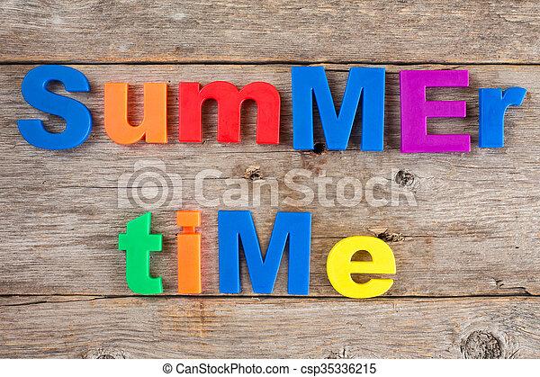 Imanes de letras de texto Tiempo de verano - csp35336215