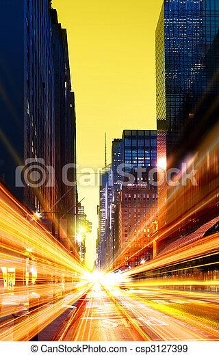 Ciudad urbana moderna a la noche - csp3127399