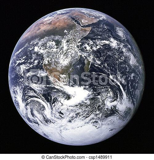 Tierra del espacio exterior. - csp1489911