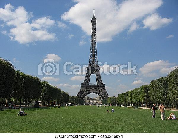 Torre Eiffel, París - csp0246894