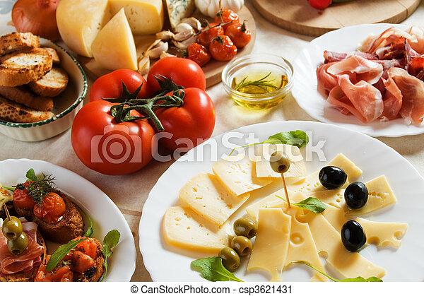 Antipasto, comida tradicional italiana - csp3621431