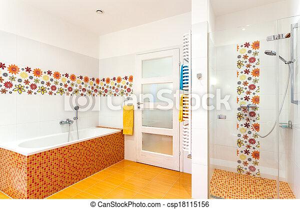 Un baño caliente confortable - csp18115156