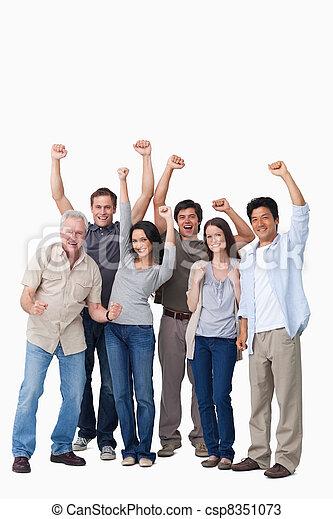 Un grupo de gente alegre - csp8351073