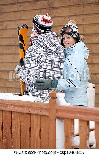 Un par va a esquiar - csp10483257