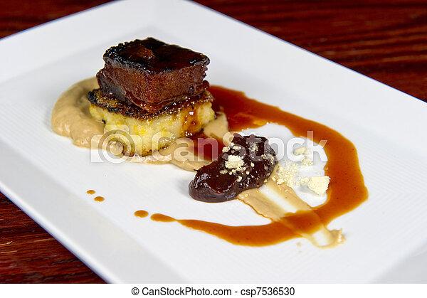 Un plato de cerdo de calabaza - csp7536530