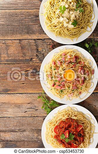 Un plato variado de espagueti - csp53453730