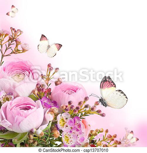Un suave ramo de rosas y mariposas - csp13707010