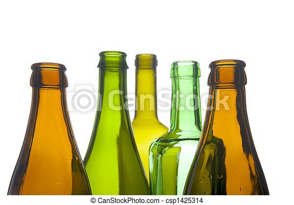 Una botella de cristal macro - csp1425314