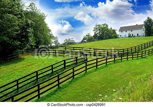 Una granja rural - csp0426991