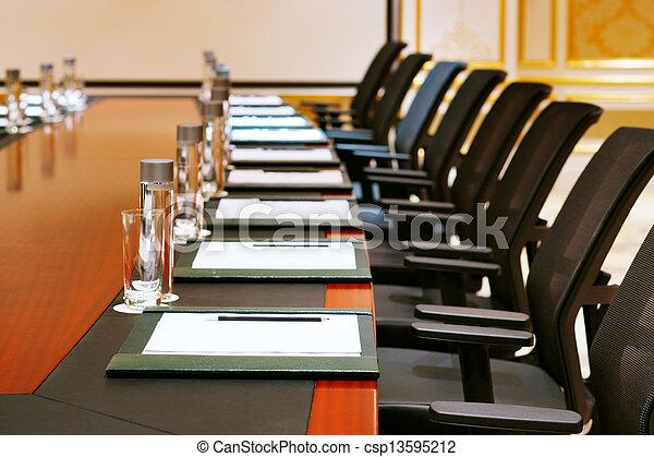 Una toma detallada de una sala de reuniones - csp13595212