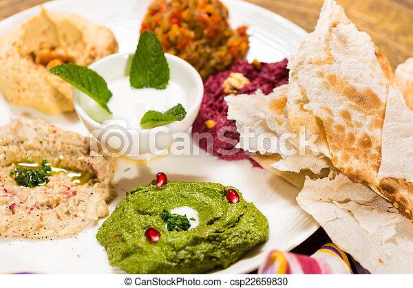 Una variedad de comida oriental, mezze - csp22659830