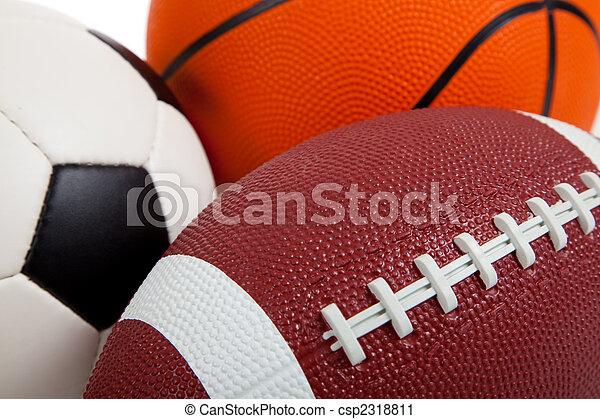 Varias bolas deportivas en blanco - csp2318811
