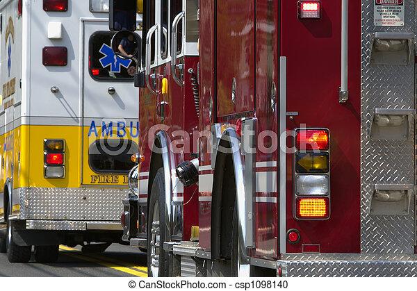 Vehículos de emergencia - csp1098140