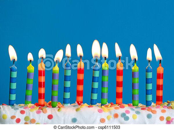 Velas de cumpleaños - csp6111503