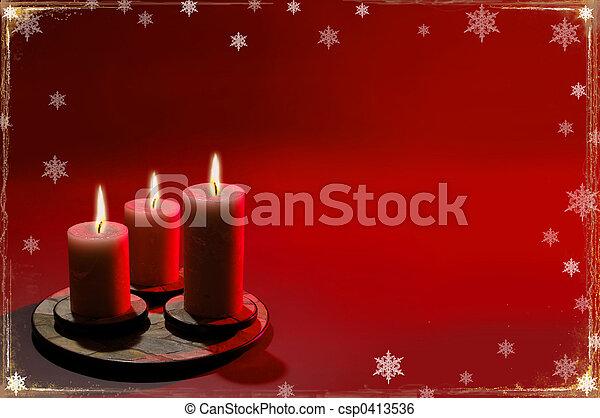 Historial de Navidad con tres velas - csp0413536