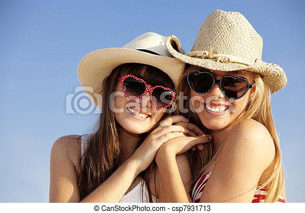El verano es de vacaciones - csp7931713