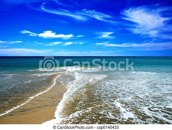 Playa en verano - csp0140433