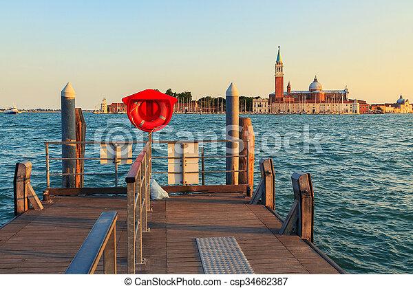 Venecia en verano - csp34662387