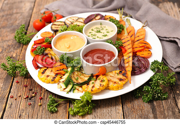 Verduras a la parrilla - csp45446755