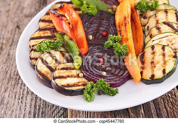 Verduras a la parrilla - csp45447760