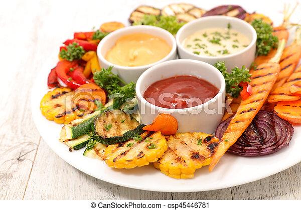 Verduras a la parrilla - csp45446781