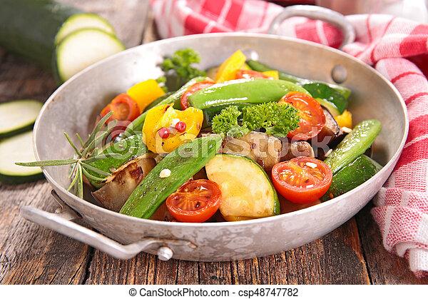 Verduras a la parrilla - csp48747782