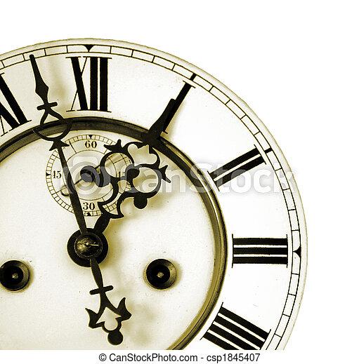 Detalle de un reloj viejo - csp1845407