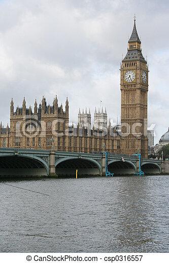 Big Ben y Westminster Bridge - csp0316557